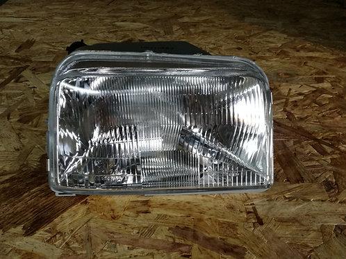 R5 GTT Headlight Right Side