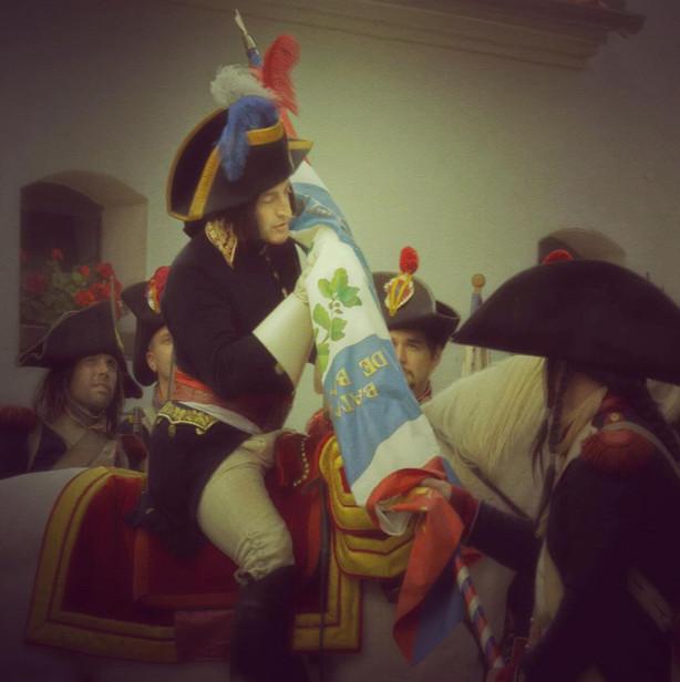Bonaparte et le drapeau.jpg