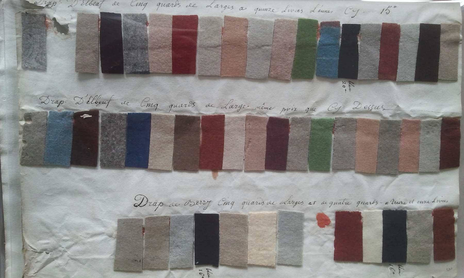 Cloth samples National Archives Paris