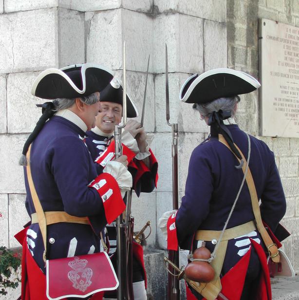 Briançon_2006,_three_veteran_guardsmen.j