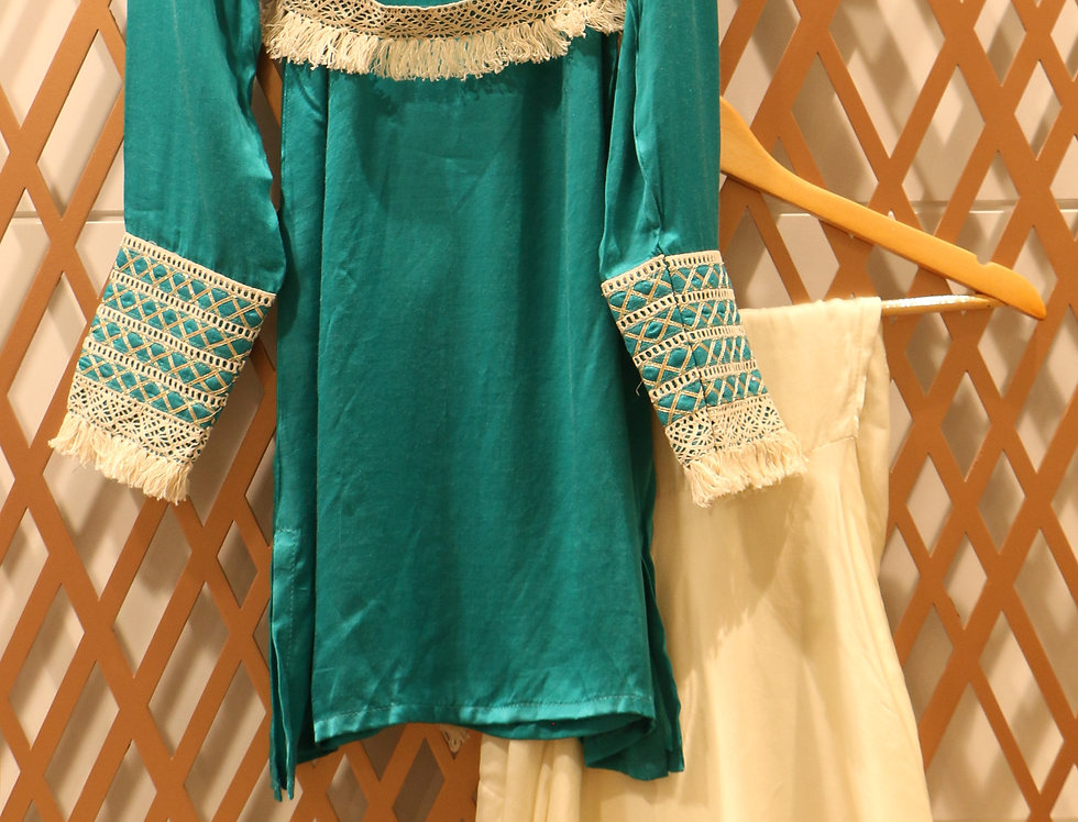 Drop Shoulder Turqouise Blue Top with Ivory High Low Pant & Belt