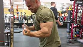 〈Tシャツの似合う腕に!〉アウェイクのパーソナルトレーニング「腕」編