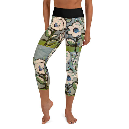 Sparkling Blue Garden Yoga Capri Leggings