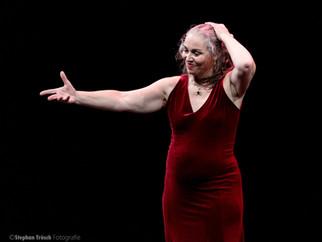 Nina Corti tanzte im Teatro Dimitri in Verscio