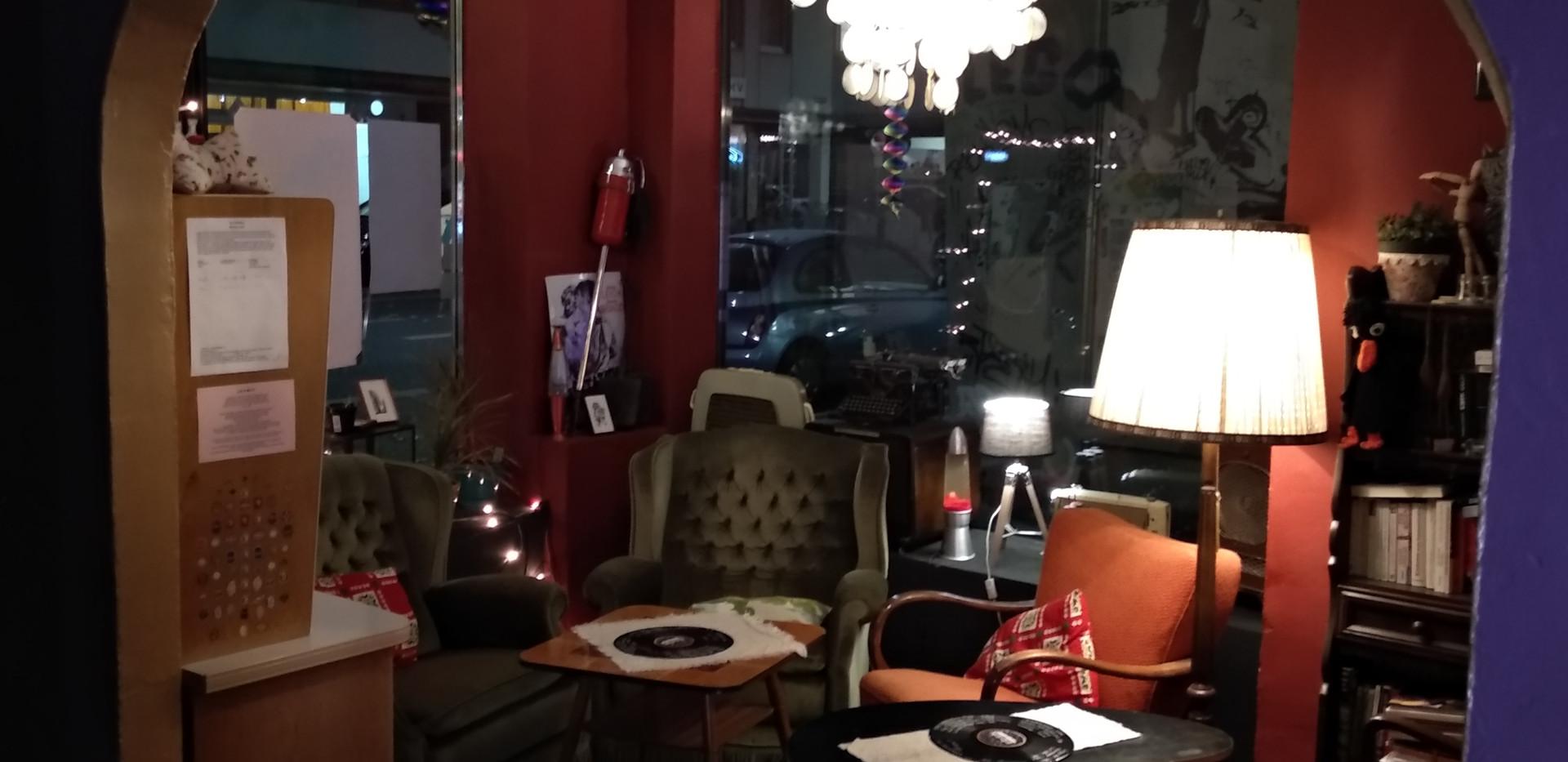Torbogen und kleine Sitzecke