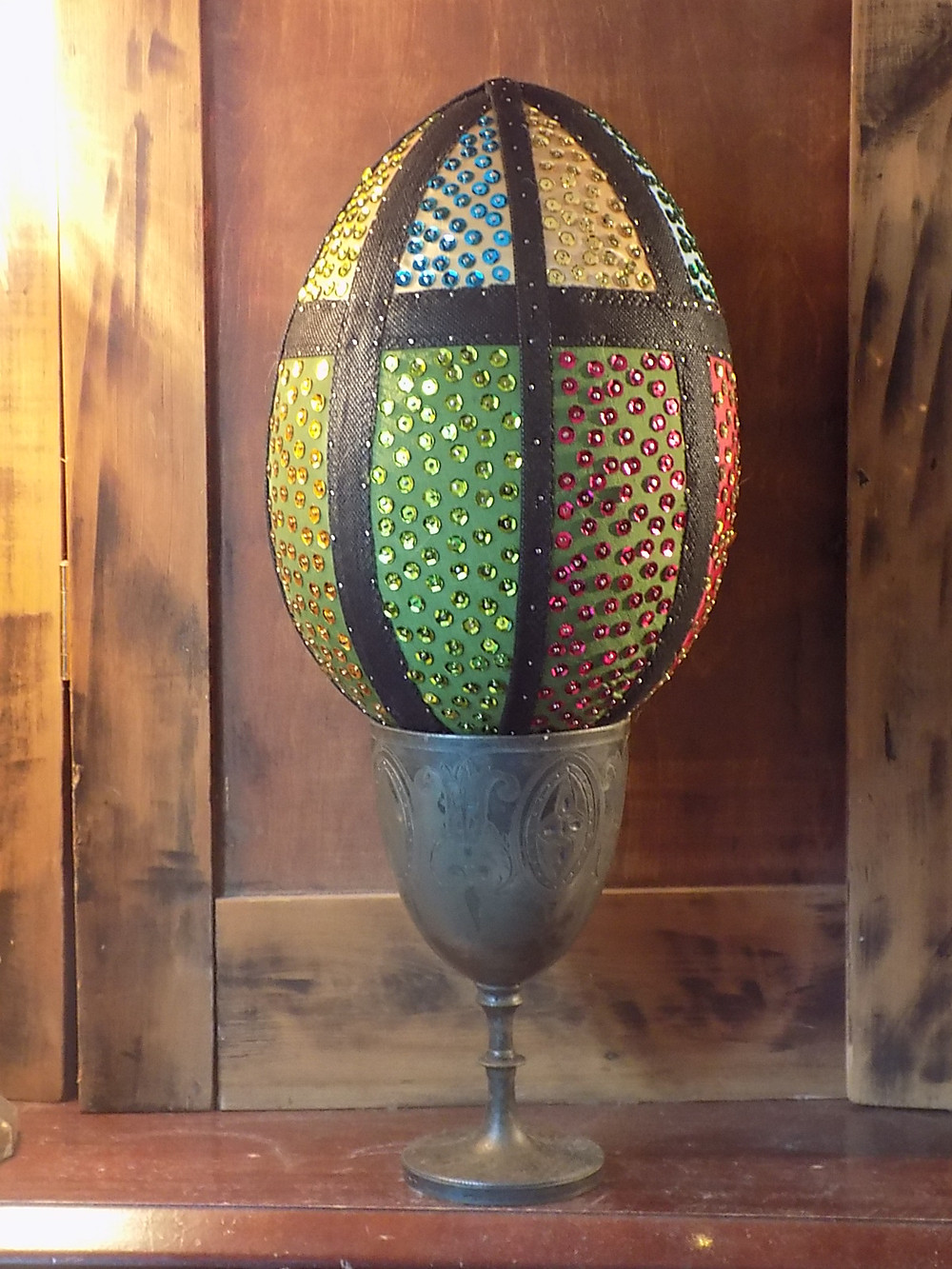 Christine Cunningham demonstrates HOW TO CREATE A TEXTILE EASTER EGG in her monthly blog for mrxstitch magazine