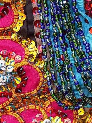 NATURAL GALLERY - FLOWERS - BEADS AND SEQUINS
