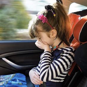 Ребенка укачивает в машине! Не стандартные способы борьбы с морской болезнью.
