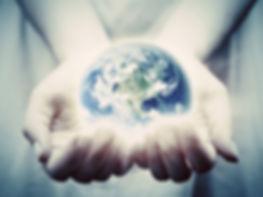 De aarde in handen.jpg