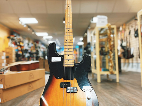 Begagnad Fender Precision Bass Mike Dirnt Road Worn 8995:-