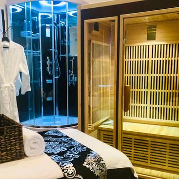 Body Bliss Shower & Sauna