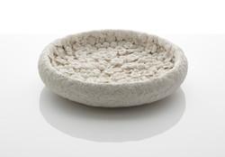 Hitomi Hosono_Carved porcelain