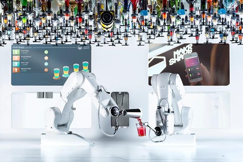 Toni Robot Bartender - Makr Shakr