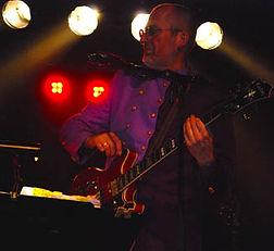 Herman Gertner, Bas, contrabas, ukulele, banjolele