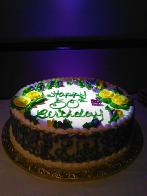 cake spot light with purple uplight