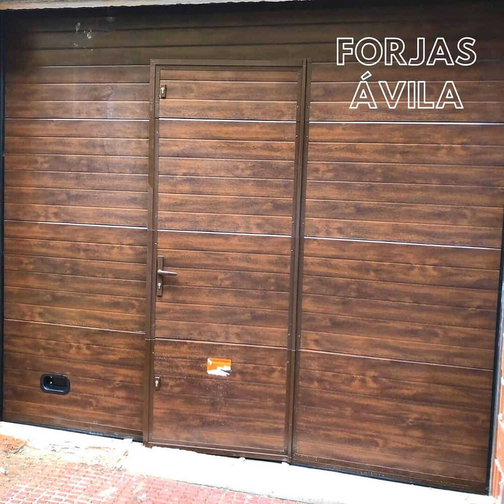Puerta de Garaje Automática Trujillo