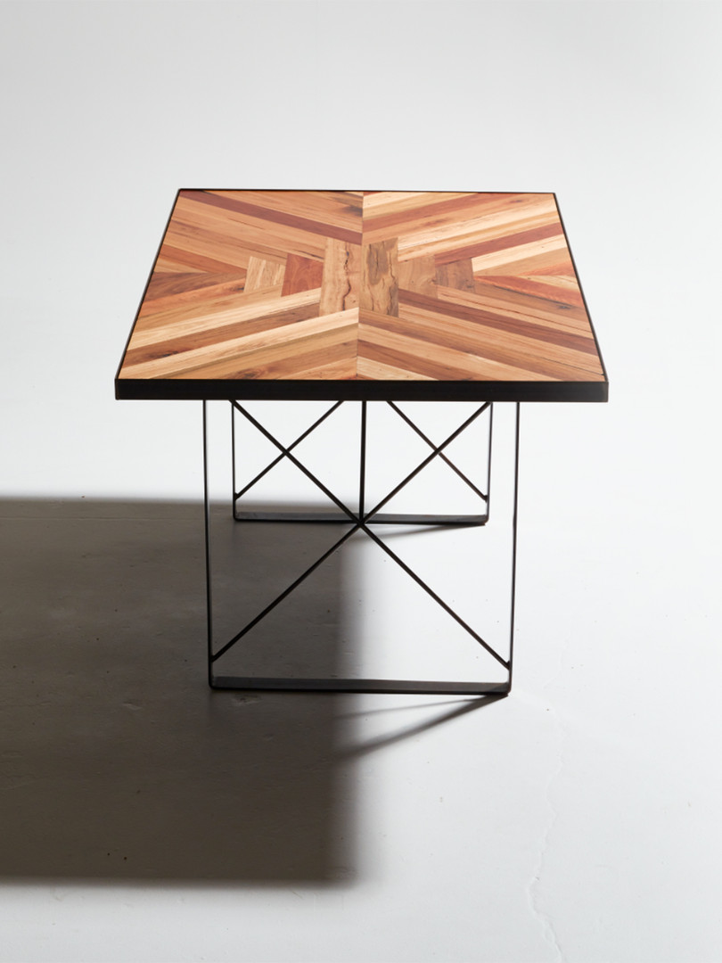 Parka Table