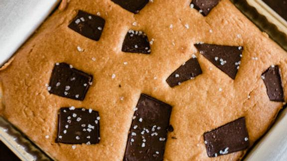 KETO Peanut butter Chocolate Bar Blondies