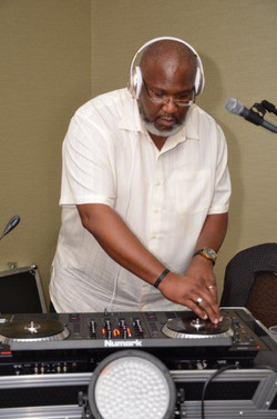 Book DJ Big Tizz