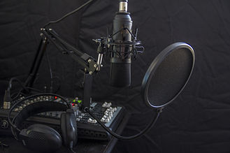 microphone-616788.jpg