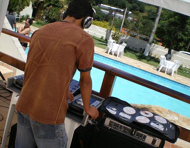VALE 1 DJ.jpg