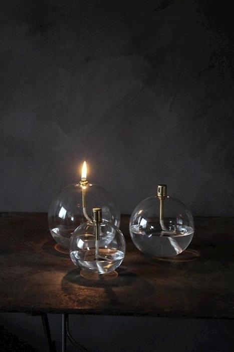 LA LAMPE A HUILE BOULLE