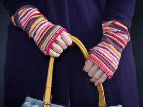 Self-Striping Crochet Groovy Gauntlets!