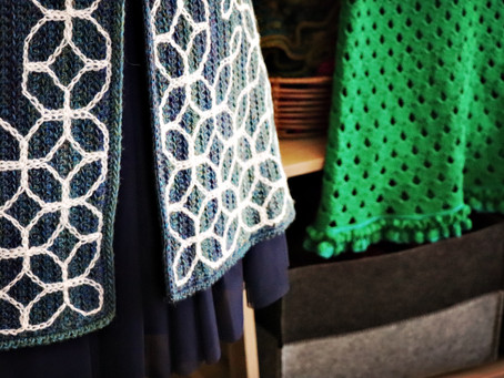 Peppergoose Fashion Display: LYS Crossways Wool & Fabrics