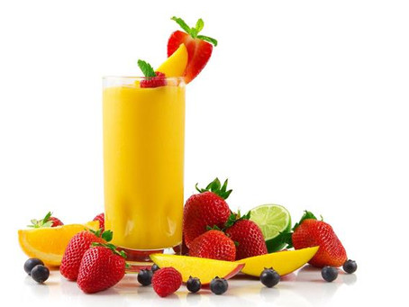 Smoothie Mangue, Fraises, Myrtilles