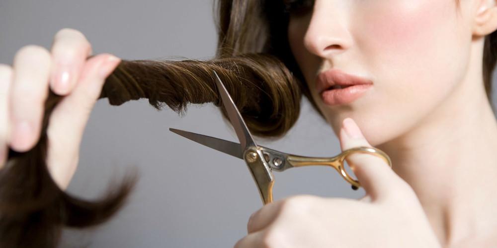 http://ghk.h-cdn.co/assets/16/10/1600x800/landscape-1457388508-cutting-own-hair-index-2.jpg