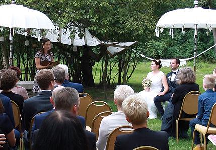Hochzeit_Mikaela-Richard_Rednerin Rune_2