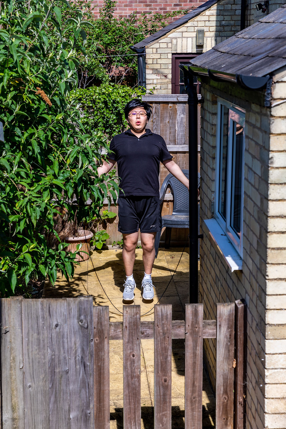 Neighbour gets daily exercise during lockdown by skipping rope in the back garden