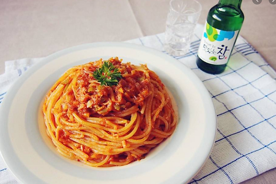Tuna Pasta with Korean Hot Sauce by MAMA HALLA