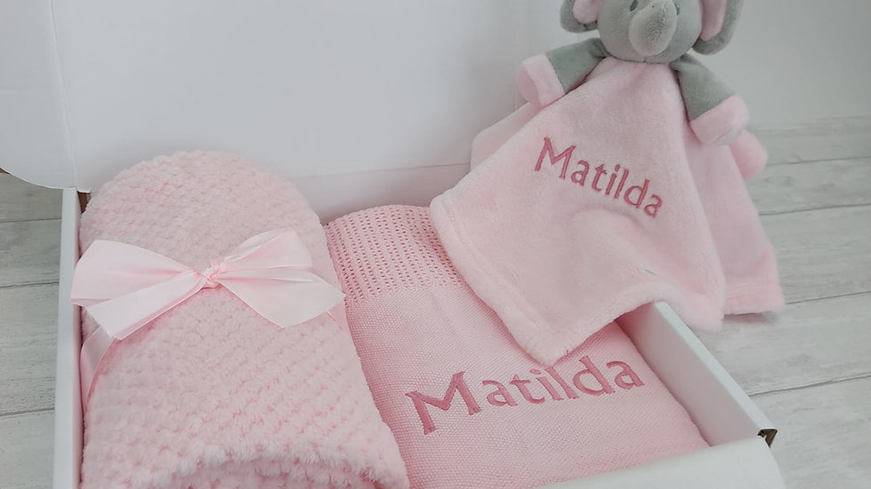 Personalised Baby Gift Set in Pink. Blanket & Comforter Set ideal for New Baby