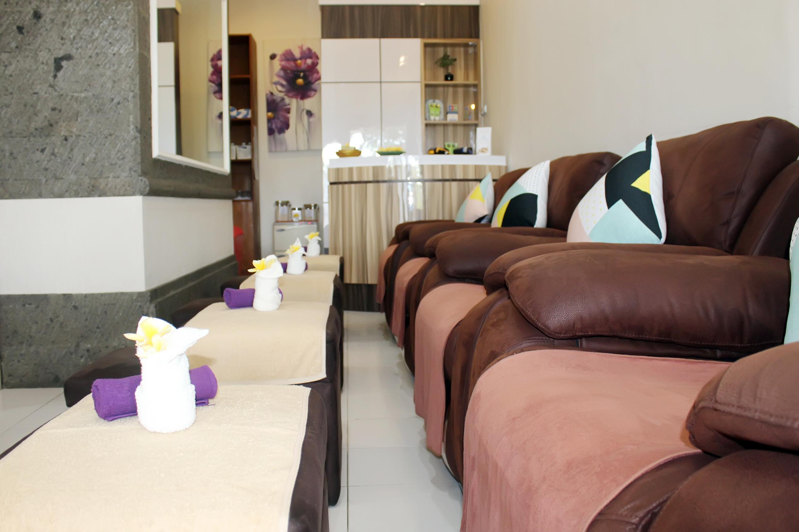 Foot massage area