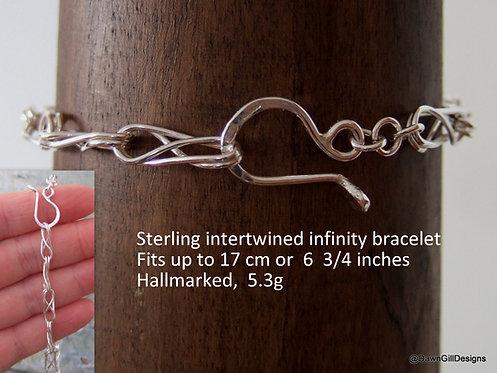 Twisted Infinity chain bracelet
