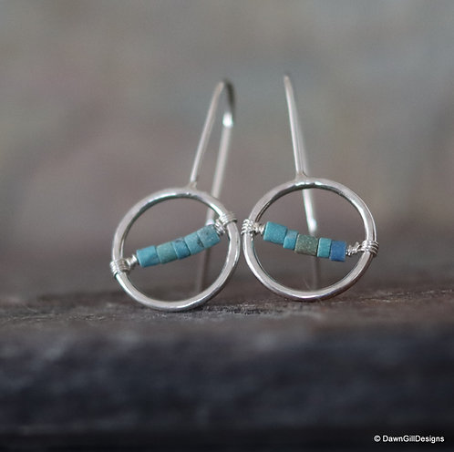 Asymmetric, bisected gemmy hoop earrings - Turquoise