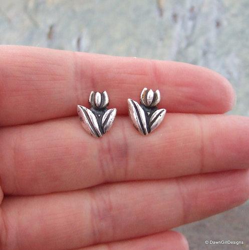 Tulip stud earrings - fine silver
