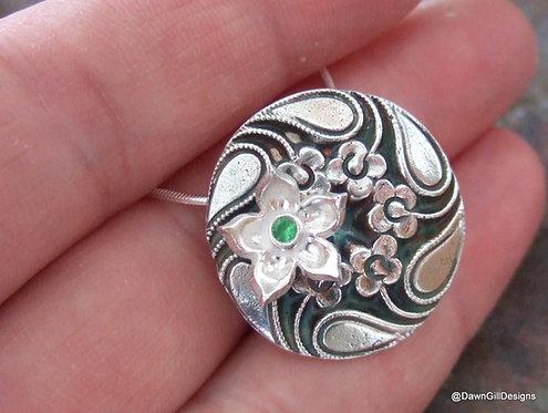 Clematis and gemstone button pendant - tsavorite