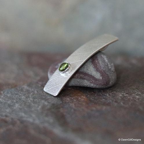 Peridot Leaf textured bar pendant