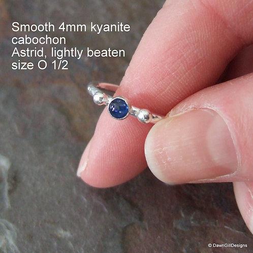 Astrid stacking ring - Kyanite size O 1/2