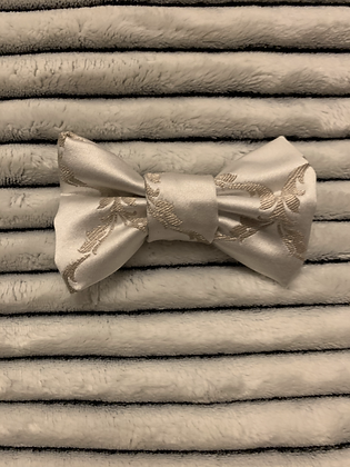 SALE Small Bow - White luxe