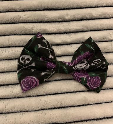 SALE Medium Bow - Skull & Roses