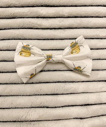 SALE Medium Bow - White bee