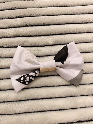 SALE Small Bow - Triangle