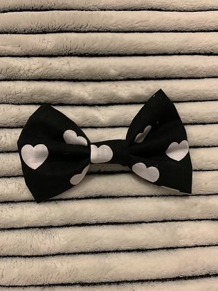 SALE Small Bow - Black love heart