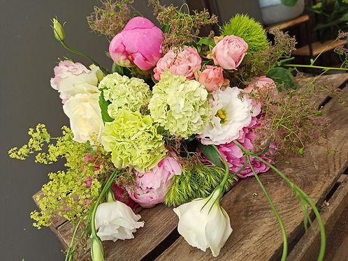 bouquet tendre saison fleurs pivoine.jpg