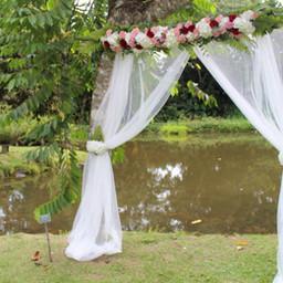 Fleurs-mariage-gard-arche-ceremonie-laique-huppa-fleurs