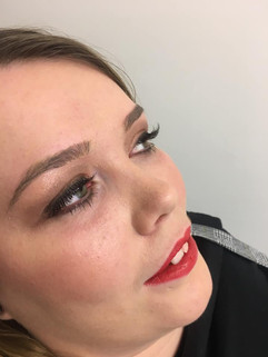 Make up with Lashes
