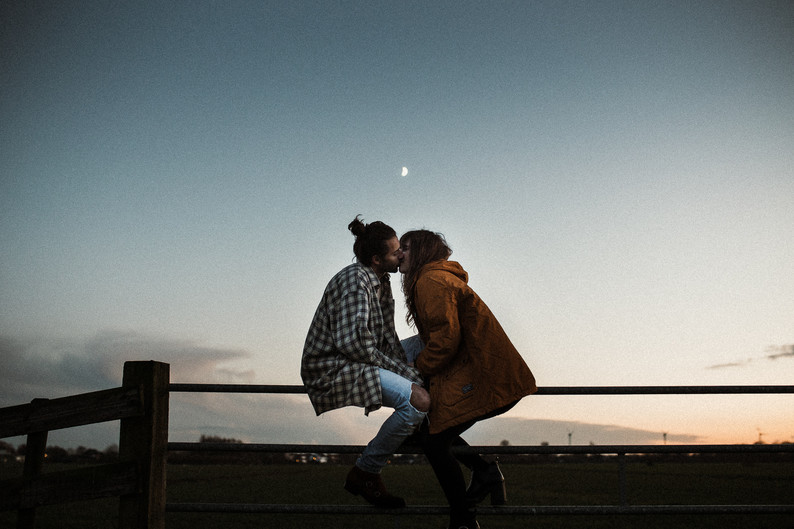 Loveshoot at dusk